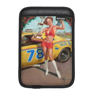 Capa iPad Mini Menina do pinup do vintage do troféu do carro de