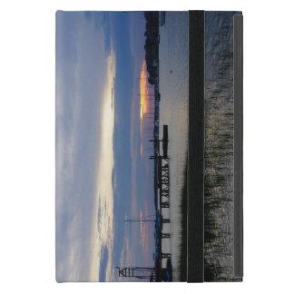 Capa iPad Mini Por do sol do porto do insensatez