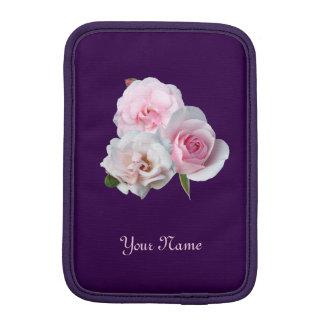 Capa iPad Mini Três rosas cor-de-rosa. Teste padrão floral.