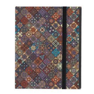 Capa iPad Retalhos do vintage com elementos florais da
