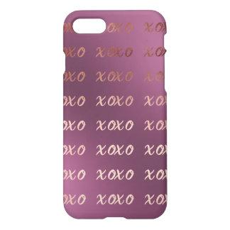 Capa iPhone 8/7 a tipografia cor-de-rosa do ouro do falso abraça e