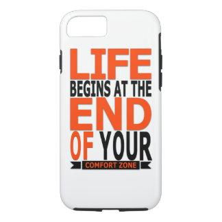 Capa iPhone 8/ 7 A vida começa t o fim de sua zona de conforto