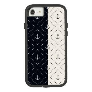 Capa iPhone 8/ 7 Âncoras náuticas no creme e no preto dos diamantes