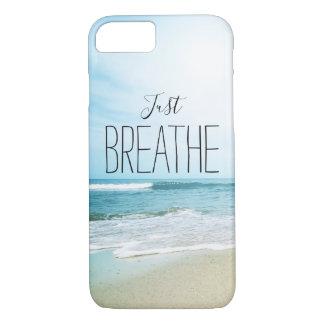Capa iPhone 8/ 7 Apenas respire na praia
