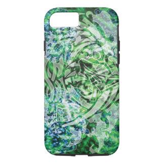 Capa iPhone 8/ 7 Arte, verde & branco tribais abstratos de Digitas