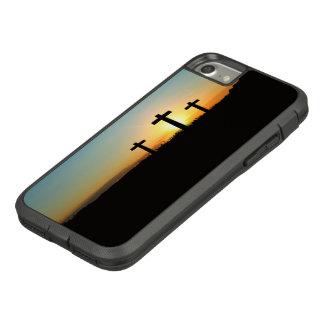 Capa iPhone 8/ 7 As cruzes da crucificação no por do sol