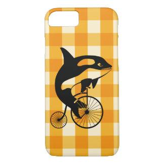 Capa iPhone 8/ 7 Baleia de assassino, orca que monta uma bicicleta