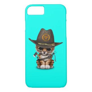 Capa iPhone 8/ 7 Caçador bonito do zombi de Cub de tigre