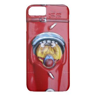 Capa iPhone 8/ 7 Carro de corridas vermelho do brinquedo da lata do