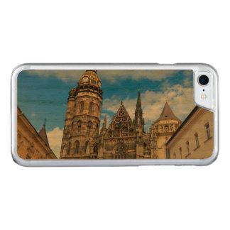 Capa iPhone 8/ 7 Carved Catedral do St. Elisabeth em Kosice, Slovakia