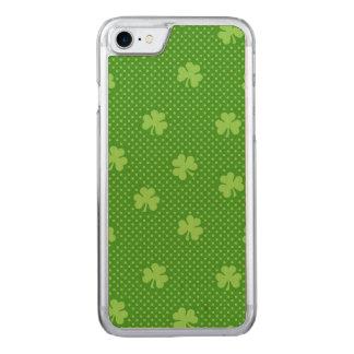 Capa iPhone 8/ 7 Carved Dia verde de Patricks do santo do teste padrão do