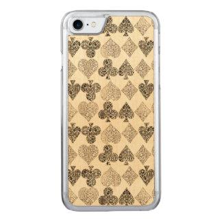 Capa iPhone 8/ 7 Carved Diamante bege Antiqued envelhecido do coração do