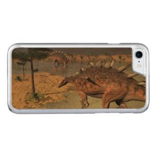 Capa iPhone 8/ 7 Carved Dinossauros do Kentrosaurus no deserto - 3D rendem