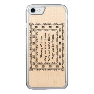 Capa iPhone 8/ 7 Carved Doily do laço com texto em relação às mulheres