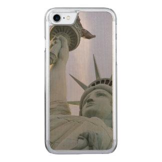 Capa iPhone 8/ 7 Carved Estátua da liberdade