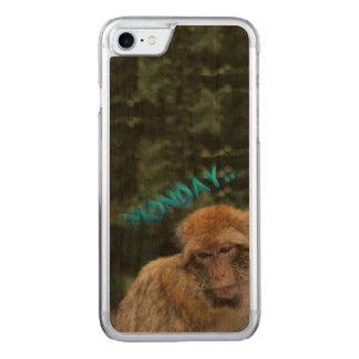 Capa iPhone 8/ 7 Carved Macaco triste sobre segunda-feira