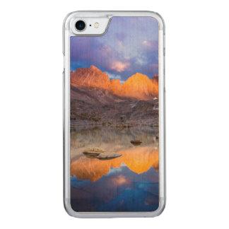 Capa iPhone 8/ 7 Carved Reflexão da montanha, Califórnia