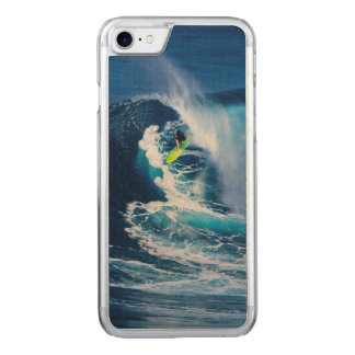 Capa iPhone 8/ 7 Carved Surfista na prancha verde