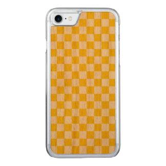 Capa iPhone 8/ 7 Carved Tabuleiro de damas amarelo