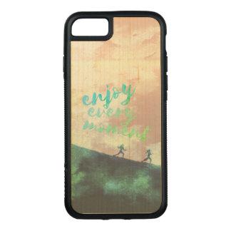 Capa iPhone 8/ 7 Carved Tipografia Running da corrida verde da aguarela