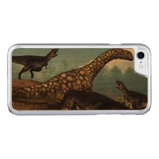 Capa iPhone 8/ 7 Carved Tyrannotitan que ataca um dinossauro do