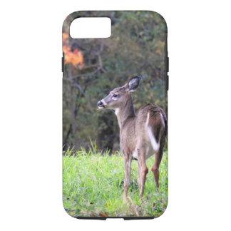 Capa iPhone 8/ 7 Cervos em um campo - dia do outono