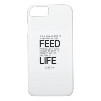 Capa iPhone 8/ 7 CITAÇÕES: Confucius: Ensine-o, salvar sua vida