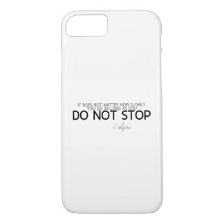Capa iPhone 8/ 7 CITAÇÕES: Confucius: Não pare