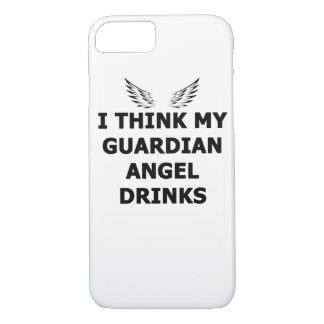 Capa iPhone 8/ 7 Eu penso minhas bebidas do anjo-da-guarda