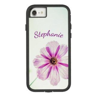 Capa iPhone 8/ 7 Fundo roxo, cor-de-rosa brilhante da flor com nome