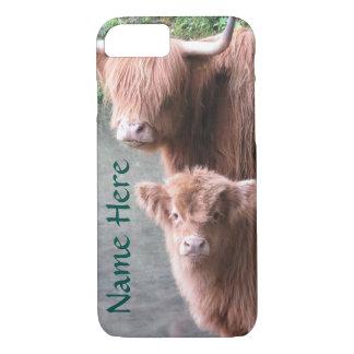 Capa iPhone 8/ 7 Gado, vaca e vitela escoceses das montanhas