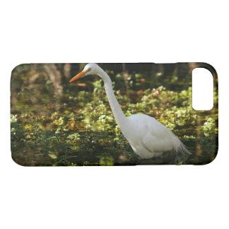 Capa iPhone 8/ 7 Grande Egret que vadeia nos marismas