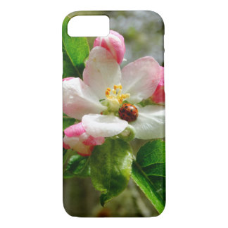 Capa iPhone 8/ 7 joaninha bonito nas flores brancas da flor de