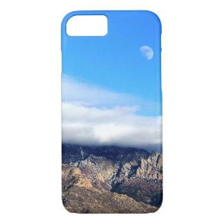 Capa iPhone 8/ 7 Lua e nuvens sobre Sandias