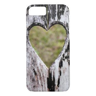 Capa iPhone 8/ 7 Madeira cinzelada coração