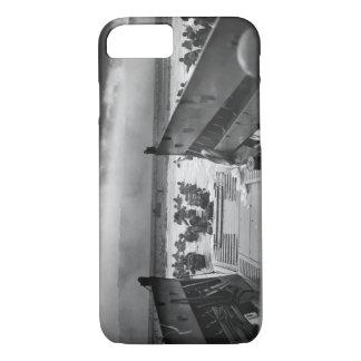 Capa iPhone 8/ 7 Nas maxilas da segunda guerra mundial Omaha da