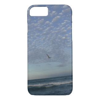 Capa iPhone 8/ 7 Nuvens da praia