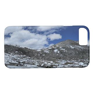 Capa iPhone 8/ 7 Passagem coberto de neve de Donahue - fuga de John