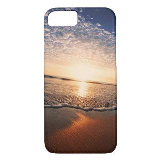 Capa iPhone 8/ 7 Por do sol em uma praia bonita