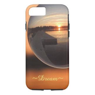 Capa iPhone 8/ 7 Por do sol sobre a bola de cristal da água - sonho