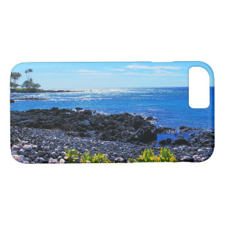 Capa iPhone 8/ 7 Praia rochosa tropical de ilha havaiana