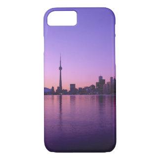 Capa iPhone 8/ 7 Skyline de Toronto na noite, Ontário, Canadá