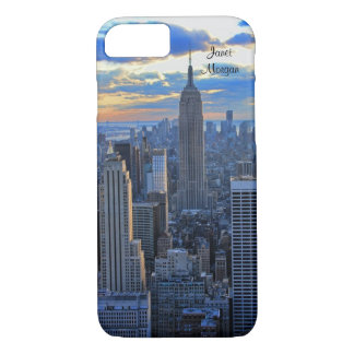 Capa iPhone 8/ 7 Skyline do fim da tarde NYC como aproximações do