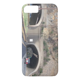Capa iPhone 8/ 7 Túnel da montanha rochosa