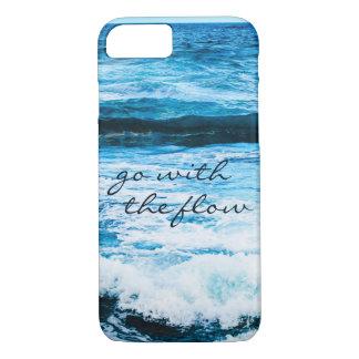"""Capa iPhone 8/ 7 """"Vá com a foto azul das ondas de oceano de Havaí"""