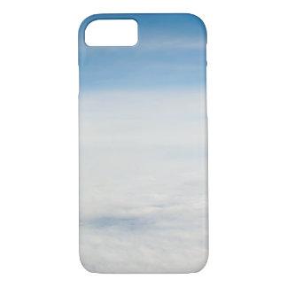 Capa iPhone 8/ 7 vista do vôo. nuvens