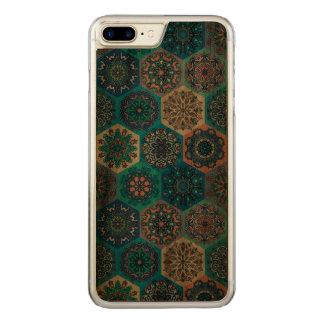 Capa iPhone 8 Plus/ 7 Plus Carved Retalhos do vintage com elementos florais da