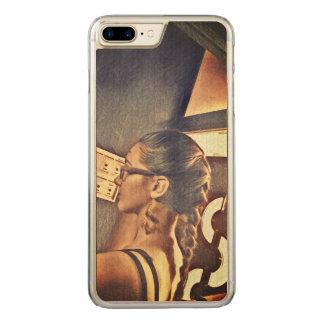 Capa iPhone 8 Plus/ 7 Plus Carved uma menina