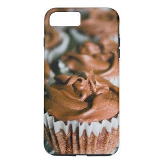 Capa iPhone 8 Plus/7 Plus Cupcakes do fosco do chocolate em uma foto da