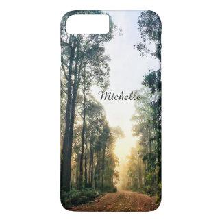 Capa iPhone 8 Plus/7 Plus Manhã enevoada na floresta